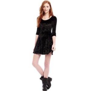 L'AMOUR Nanette Lepore Black Velvet Dress L
